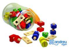 Accéder au produit Wooden Toys, Usb Flash Drive, Construction, Boutique, Solid Wood, Blue Nails, Canning Jars, Ladybug, Gift Ideas