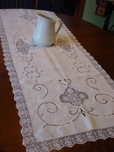 """Lovely Italian Linen Runner, Lace Edge, Inserts, Embroidery, As Is 19 x 52"""""""