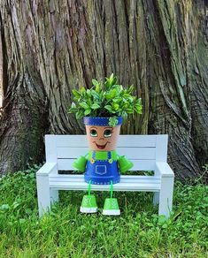Country Kid Clay Pot People Planter - These country kid flower pot planters add a little fun to your garden, patio, or indoor decor. Flower Pot Art, Clay Flower Pots, Flower Pot Crafts, Painted Flower Pots, Clay Pots, Flower Beds, Flower Pot People, Clay Pot People, Clay Pot Projects