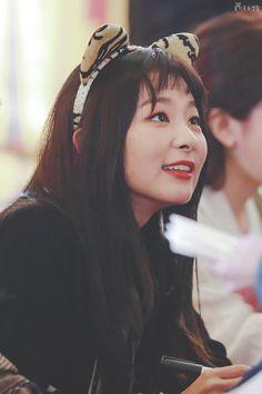 레드벨벳 슬기 #웃짤닷컴 South Korean Girls, Korean Girl Groups, Funny Girl Movie, Cherry Baby, Kang Seulgi, Red Velvet Seulgi, Girl Cakes, Cake Girls, My Little Girl
