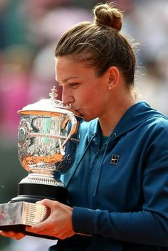 Simona Halep 2018 French Open Simona Halep, French Open, Maria Sharapova, Sports Photos, Tennis Players, Romania, Barcelona, Basketball, Football