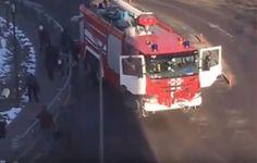 Трагедия в Домодедово: 9 пассажиров попали под колеса пожарной машины https://joinfo.ua/inworld/1201816_Tragediya-Domodedovo-9-passazhirov-popali-kolesa.html {{AutoHashTags}}