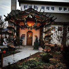 Barrel Oak Winery at the Holidays Virginia Wineries, Wine Country, Barrel, Places To Go, Tours, Holidays, Mansions, House Styles, Holidays Events