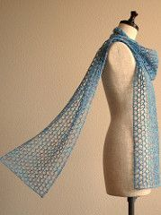Free Knitting Pattern for Different Breeze Easy Scarf - Sachiko Uemura's mesh scarf is knit in larger needles to get the ethereal effect. Most Ravelrers rated this very easy or easy. Easy Scarf Knitting Patterns, Lace Knitting Stitches, Knit Patterns, Hand Knitting, Knitted Shawls, Crochet Scarves, Knit Or Crochet, Crochet Shawl, Textured Yarn