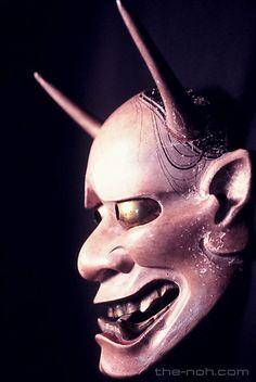 the-Noh.com : Noh Masks Database : Onryo : Hannya