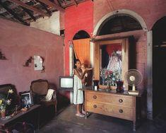 Risultati immagini per cuban interiors color palette Cuban Decor, One Room Apartment, Bali, Interior And Exterior, Interior Design, Back To Home, Wall Colors, Colorful Interiors, Home And Living