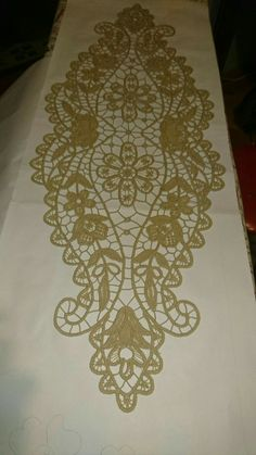 Crochet ideas that you'll love Cutwork Embroidery, Hand Embroidery Designs, Embroidery Dress, Irish Crochet Patterns, Cross Stitch Patterns, Romanian Lace, Bobbin Lace, Needle Lace, Lacemaking