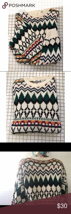 Gulf Traders Vintage Sweater This multi colored sweater is very thick and warm. Size XL. Ask for measurements! Sweaters Crew & Scoop Necks