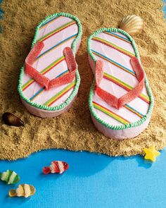 Flip flop cake - LOVE IT! @Miranda Marrs Watts -- this one's for you! :)