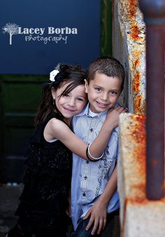 posing siblings   family photography