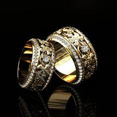 Дизайнерские и эксклюзивные обручальные кольца на заказ Bridal Jewelry, Gold Jewelry, Jewelry Rings, Jewelery, Jewelry Accessories, Jewelry Design, Unique Jewelry, Wedding Band Sets, Wedding Rings