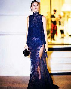Os melhores looks das famosas na semana de moda de Paris. Alessandra Ambrósio