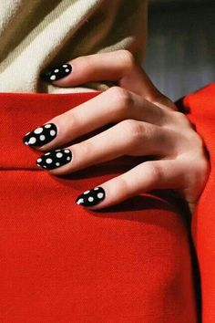 black dotted nails