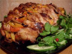 Веер из свинины, начиненный овощами