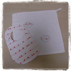 Bavaglino e Tovaglietta (Bib and Baby Towel) di Mennule su Etsy