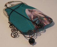 moumou DESIGN. Vintage PostCard -purse. Beautiful picture from: http://yarngrimoire.blogspot.fi/
