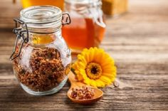 Propolis: This Is the Only Product That Kills Viruses, Fungal Infections, and Bacteria All in One Go! Bee Propolis, Troubles Digestifs, Fungal Infection, Copaiba, Helfer, Alternative Health, Alternative News, Cake Art, Immune System