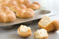 Buttermilk Rolls // Don't forget the rolls! #holiday #recipe #Thanksgiving