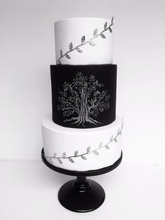 Wedding Cake 'Family Tree' by Creative Cakes by Sharon - http://cakesdecor.com/cakes/244371-wedding-cake-family-tree