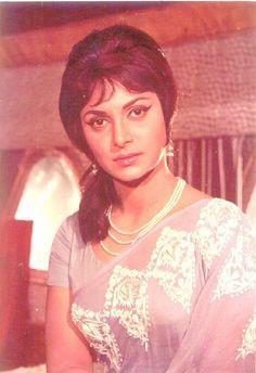 Beauteous Waheeda Rehman.