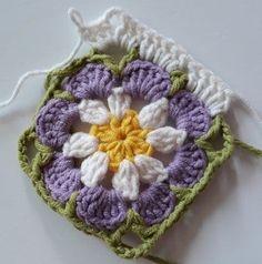 Örgü Bebek Battaniye - Mimuu.com Crochet Mandala Pattern, Granny Square Crochet Pattern, Crochet Flower Patterns, Crochet Squares, Crochet Flowers, Granny Squares, Plaid Crochet, Baby Afghan Crochet, Love Crochet