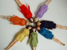 #dresscolorfully dolls