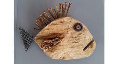 Venu du fond des âges, ce poisson en bois flotté, est inoffensif. Décoration murale Réalisé par une artiste Normande avec des éléments de récupération. Nageoire et épines dorsales sont avec des très vieux clous carrés. Dimensions:30cm x 22cm x 8cm Pour la France, la livraison Wood Block Crafts, Metal Crafts, Labrador Silhouette, Types Of Christmas Trees, Deco Marine, Found Object Art, Scrap Metal Art, Driftwood Crafts, Wooden Shapes