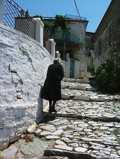 Old woman in Trikeri, Pelion, Greece Shoe Trend, Samos, The Neighbourhood, Greece, Paradise, To Go, Island, Explore, Google Search