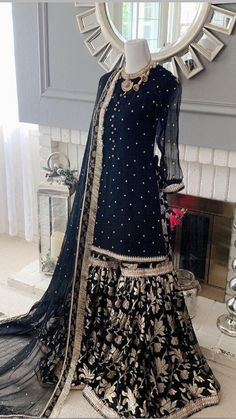 Party Wear Indian Dresses, Pakistani Fashion Party Wear, Pakistani Wedding Outfits, Indian Fashion Dresses, Pakistani Dress Design, Muslim Fashion, Pakistani Dresses, Girls Dresses Sewing, Heavy Dresses
