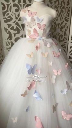 Baby Frocks Designs, Kids Frocks Design, Kids Gown Design, Princess Flower Girl Dresses, Princess Dress Kids, Princess Frocks, Girls Pageant Dresses, Dresses Kids Girl, Girls Party Dress