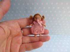 Miniatur OOAK Baby MÄDCHEN 4,6 cm Puppenstube 1:12 BEWEGLICH. Puppe Handgemacht Unikat von YuliyasOOAKdolls auf Etsy