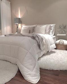 Mukavaa iltaa ja kauniita unia😉😘 Enjoy your evening😘 . White Bedroom, Dream Bedroom, Modern Bedroom, Master Bedroom, Rustic Apartment, Apartment Living, Bedroom Inspo, Bedroom Decor, Inside A House