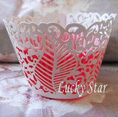 Leafy lace cupcake case
