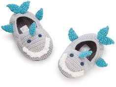 8934c4604b2bb How cute are these Shark Booties Diy Crochet Patterns
