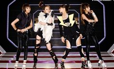 9 Times When We Couldn't Handle 2NE1's Swag