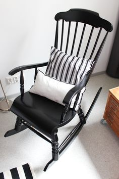 A wooden rocking chair will be placed on the carpet for the .- A wooden rocking chair will be placed on the carpet for the teacher to sit on during circle time and lessons. Cute Furniture, Western Furniture, Kids Bedroom Furniture, Refurbished Furniture, Recycled Furniture, Furniture Makeover, Painted Furniture, Furniture Sets, Furniture Design