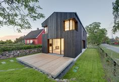 WieckIn house by Mehring Architected features black-painted walls and deep corner windows