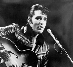 Image: File photo of Elvis Presley (© Michael Ochs Archives/Getty Images)