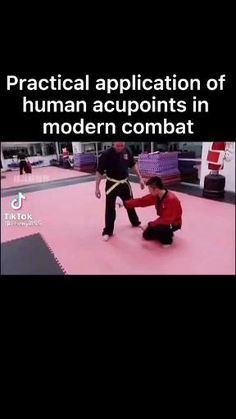 Self Defense Moves, Self Defense Martial Arts, Martial Arts Techniques, Self Defense Techniques, Martial Arts Workout, Martial Arts Training, Mma Videos, Superhero Workout, Everybody Dance Now