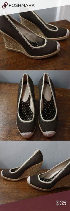 Banana Republic Espadrilles Sz 6M Brown Tan New! Banana Republic brown espadrilles in size 6M. New, no box. 4 inch heels.  inventory 17-107 Banana Republic Shoes Espadrilles