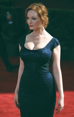 Christina Hendricks and her curvy body, sexy eyes and lips Curvy Celebrities, Beautiful Celebrities, Beautiful Actresses, Gorgeous Women, Beautiful Christina, Beautiful Redhead, Cristina Hendrix, Plus Zise, Hot Girls