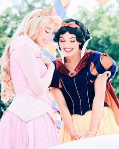 Sleeping Beauty and Snow White👸🏼👸🏻                              …