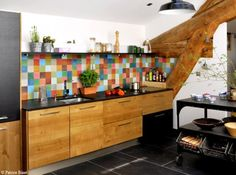 1000 ideas about credence cuisine on pinterest kitchens smart tiles and mosaic backsplash - Keuken coloree ...