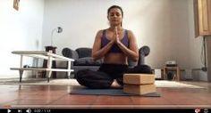 """Yoga paso a paso: """"Lolasana"""". Concentración, fuerza y constancia"""