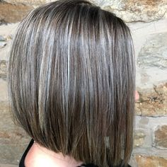 40 Best Hairstyles For Grey Hair That Make You Look 10 Years Younger - Hair styles - Cheveux Gray Hair Growing Out, Grow Hair, Gray Hair Highlights, Transition To Gray Hair, Grey Wig, Cool Hair Color, Hair Colour, Grey Hair Colors, Silky Hair