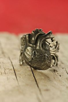 Anatomical Heart Ring. I really want this!!!!
