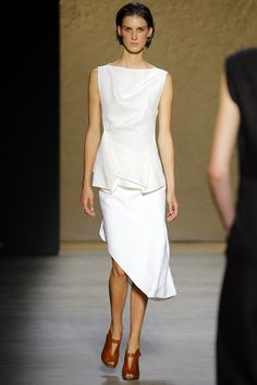 Narciso Rodriguez Spring 2016 Ready-to-Wear Fashion Show l @friendofaudrey