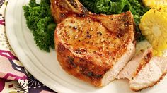 Pork chop recipes from weight watchers Healthy Pork Recipes, Pork Chop Recipes, Ww Recipes, Simple Recipes, Plats Weight Watchers, Weight Watchers Meals, Low Calorie Chicken Salad, Honey Mustard Pork Chops, Banana Zucchini Muffins