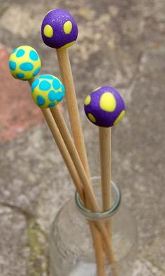 I made these knitting needles from some dowel and some Fimo.
