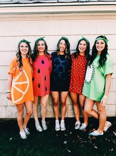 35 Cutest, Craziest & Coolest Group Halloween Costumes for your Girl Squad - Hike n Dip - - Check out best Group Halloween costumes idea that'll make your girl squad shine like never before. Flaunt your friendship with these Group Halloween Outfits. Halloween Costumes For Teens Girls, Cute Group Halloween Costumes, Halloween Outfits, Halloween Halloween, Vsco Girl Halloween Costume, Cute Teen Costumes, Homemade Halloween, Family Costumes, Couple Halloween